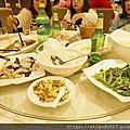 06 港城餐廳,菜色最好一餐。有正宗福州佛跳牆。但湯好鹹。像燉滷肉!