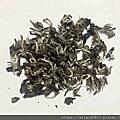 2019-09-13 台灣東方美人,朋友送的,250g,PH6.46,茶葉捲曲帶勾狀,墨綠色,上有很多白色毫毛,吃起來像咬脆餅感覺,聞起來有些微抹綠茶香味,很淡,茶湯橘色