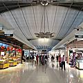 亞亞的曼谷機場逛街