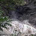 探訪金峰鄉比魯溫泉瀑布
