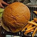 20101128 大俠愛吃漢堡堡