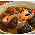 《台南》石精臼蚵仔煎、香菇飯湯
