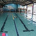 孩子學游泳