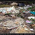 菱湖上游的廢棄物堆置