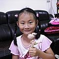 小萱八歲了