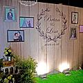 Tina flower蒂娜花藝場地佈置~大園桃禧航空城婚禮佈置-鄉村風木紋迎賓背板佈置