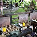 風景如畫的道地料理-湖邊餐廳