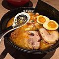 新竹富山黑拉麵