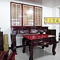 N291.一貫道佛堂設計 7尺佛桌明明上帝木雕佛聯