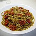 家常烤蕃茄羅勒義大利麵