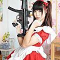 20150223 [台中]Domo:紅色女僕裝+HK MP-5衝鋒槍/短袖粉紅水手服(セーラー服)