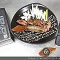 頂鮮烏魚子+黑毛豬高粱香腸~~