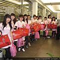 2013.02.08農曆年前診所最後一次開會+新年送禮