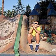 【南投親子景點】竹山海盜村景觀彩繪園區~巨大海盜船開進山中!走進立體童話彩繪街、住宿海盜村吃喝玩樂