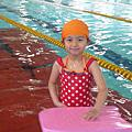 2011 06 04  帶以馨去成德國中游泳池游泳