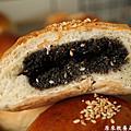 優格芝麻麵包