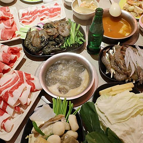 台北火鍋吃到飽『鍋爸涮涮鍋(西門店)』萬華西門町平價火鍋/各式海鮮/肉品/座位舒適