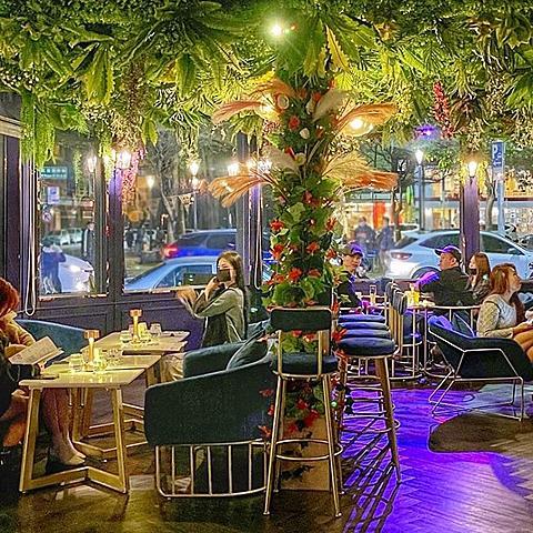 夢幻花園餐酒館新開幕!營業至凌晨2點,網美系調酒超chill,壽星整桌9折免費請吃蛋糕