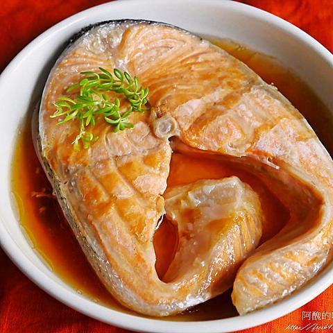 【電鍋食譜】清蒸蠔油鮭魚,完全零技巧,一指神功上菜。