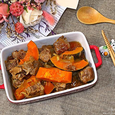 南瓜燉牛腩,濃厚秋天風味,保護心血管、預防癌症的好料理。