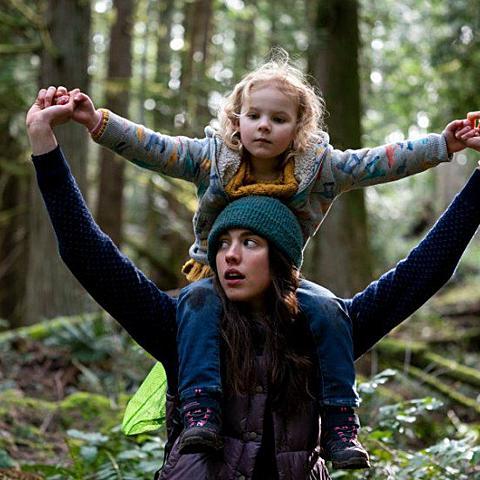 《女傭浮生錄》Netflix 影評心得.家暴家庭難以終止的輪迴夢魘
