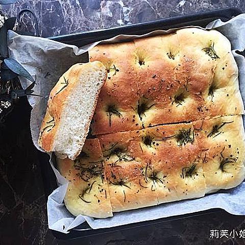[食譜] 自製佛卡夏香料麵包 Focaccia.義大利麵包輕鬆做(使用國際牌麵包機揉麵團)