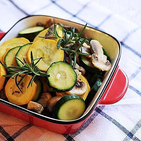 [食譜] 15分鐘快速上菜之大蒜炒蘑菇櫛瓜 (Garlic Mushroom Courgette Stir Fry) (義式料理開胃菜)