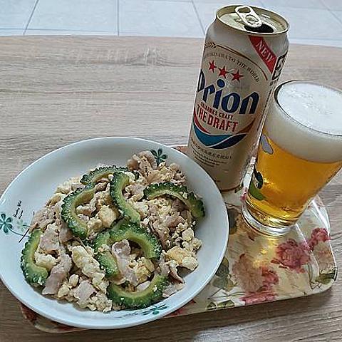 在家挑戰自製沖繩料理「ゴーヤチャンプルー」(炒苦瓜/苦瓜炒豆腐/苦瓜炒什錦)
