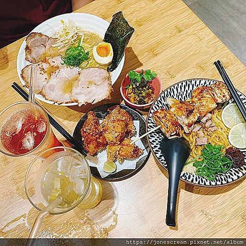 【食記】桃園市桃園區。豚戈屋台拉麵 肉料理超讚!