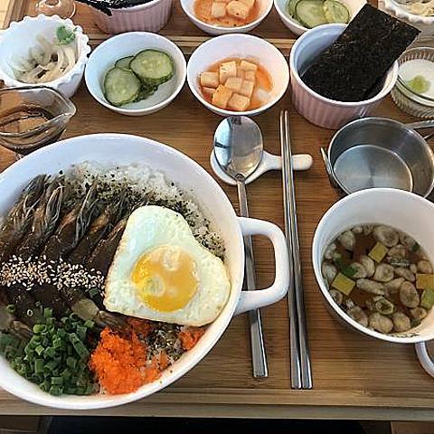 只吃過醬蟹就落伍了!來韓國嚐嚐醬生蝦吧🦐